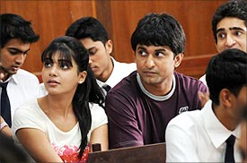 A scene from Yeto Vellipoyindi Manasu