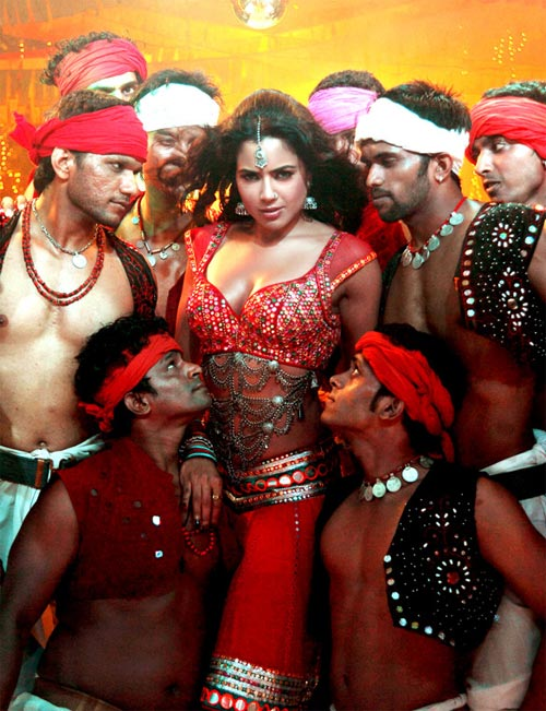 Sameera Reddy in Chakravyuh
