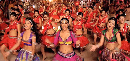 Shakti Mohan, Mumaith Khan and Maryam Zakaria in Rowdy Rathore