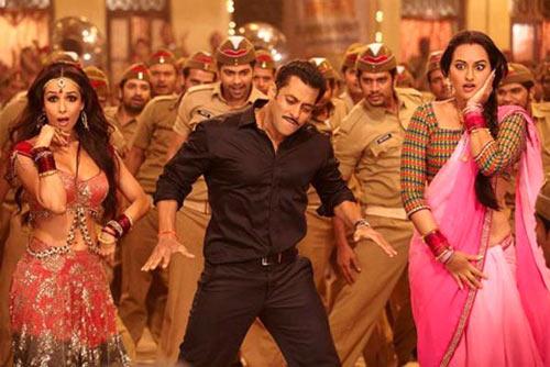 Malaika Arora Khan, Salman Khan, Sonakshi Sinha in Dabangg 2