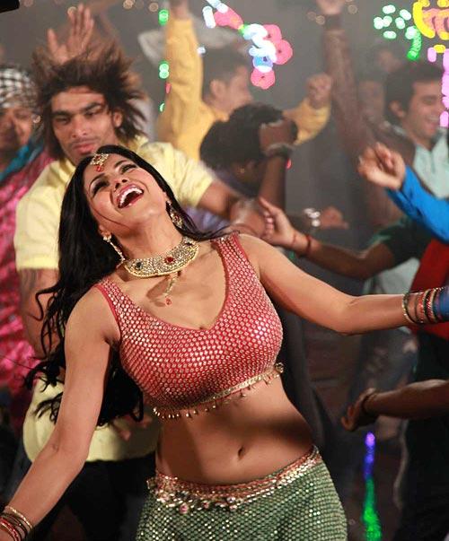 Veena Malik in Jatts Golmaal