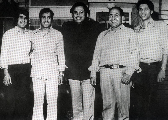 Mohammed Rafi with Kishore Kumar and his sons