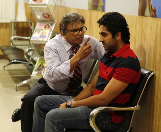 Annu Kapoor and Ayushmann Khurana in Vicky Donor