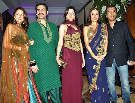 Amrita Arora, Arbaaz Khan, Aditi Gowitriker, Malaika Arora Khan and Vikram Phadnis