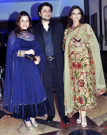 Neelam Kothari, Goldie Behl and Sonali Bendre