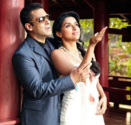 Salman Khan and Asin in Ready