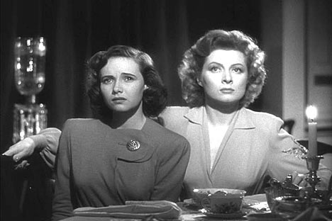 Greer Garson (right) with co-star Teresa Wright in Mrs Miniver