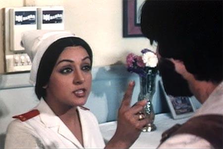 Hema Malini and Amitabh Bachchan in Satte Pe Satta