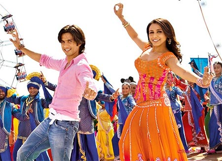 Rani Mukerji and Shahid Kapoor in Dil Bole Hadippa