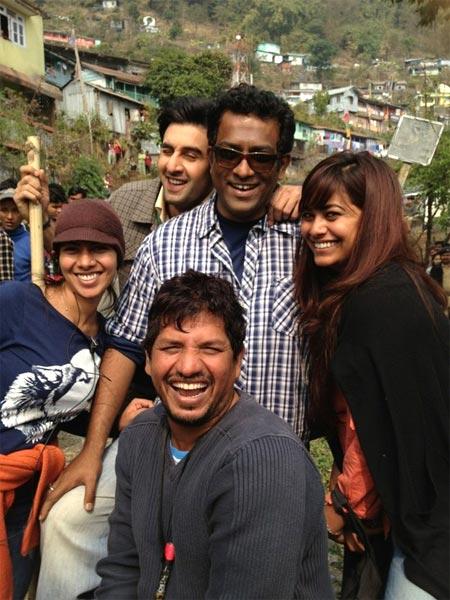 Ranbir Kapoor and Anurag Basu along with the crew of Barfee