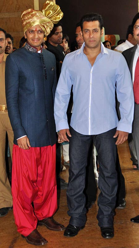 Riteish Deshmukh and Salman Khan