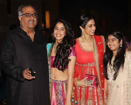 Boney Kapoor, Jhanvi, Khushi and Sridevi