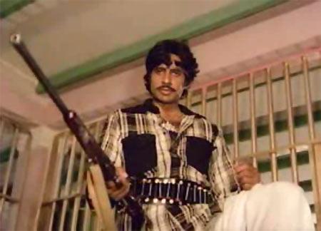 Amitabh Bachchan in Ganga Ki Saugandh
