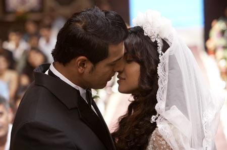 John Abraham and Priyanka Chopra in 7 Khoon Maaf