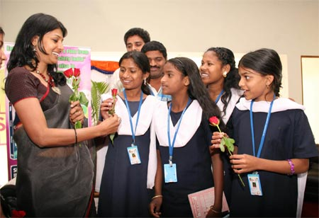 Nandita Das with kids at the film festival