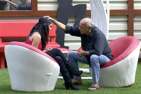 Mahesh Bhatt blesses Sunny Leone