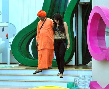 Swami Agnivesh enters the show