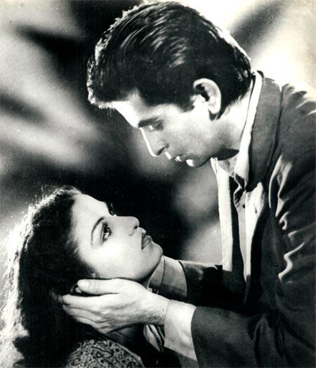 Raj Kapoor and Kamini Kaushal in Aag
