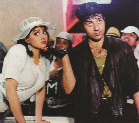 A scene from Chalbaaz