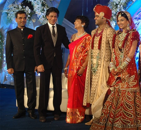 Shah Rukh Khan with Abhinav Jhunjhunwala and Prerna Sarda