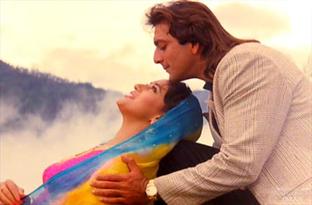 A scene from Saajan