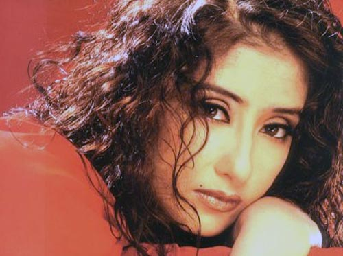 Manisha Koirala in Kartoos