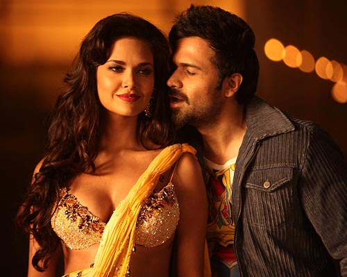 Esha Gupta and Emraan Hashmi in Jannat 2