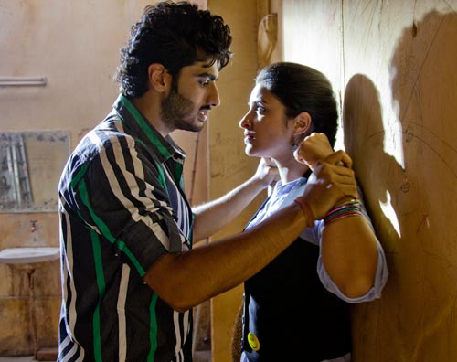 Arjun Kapoor and Parineeti Chopra in Ishaqzaade