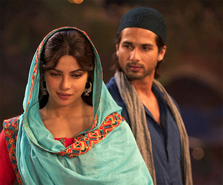 Priyanka Chopra and Shahid Kapoor in Teri Meri Kahaani