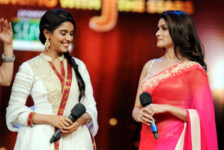 Asin with Prachi Desai on the sets of Jhalak Dikhla Jaa