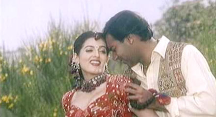 Twinkle Khanna and Ajay Devgn in Itihaas