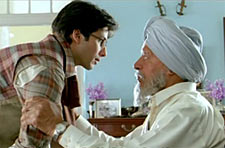 Shahid Kapoor and Dara Singh in Jab We Met
