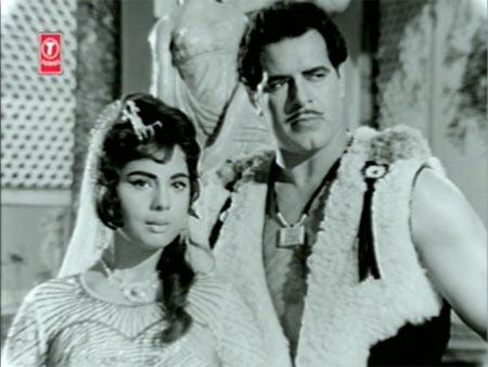 Mumtaz and Dara Singh in Rustom-E-Hind