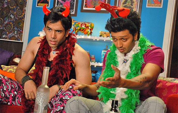 Tusshar Kapoor and Riteish Deshmukh in Kya Super Kool Hai Hum