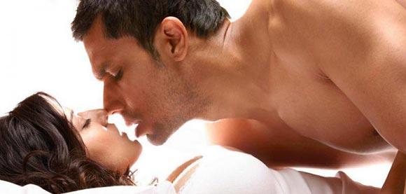 Randeep Hooda and Sunny Leone in Jism 2