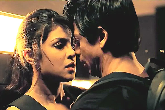 Priyanka Chopra and Shah Rukh Khan in Don 2