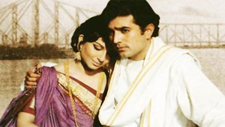 Sharmila Tagore and Rajesh Khanna in Amar Prem