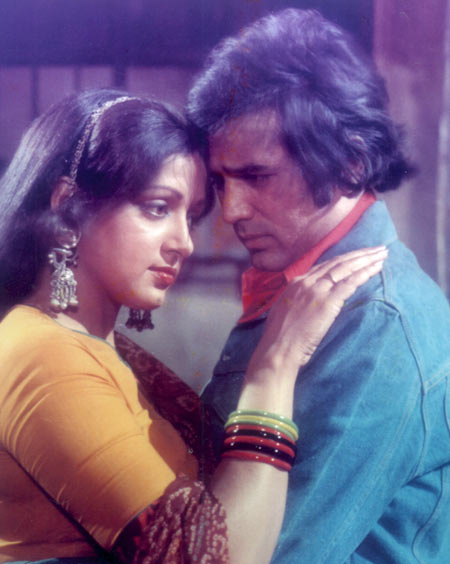 Hema Malini and Rajesh Khanna in Mehbooba