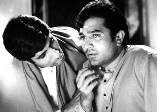 Amitabh Bachchan and Rajesh Khanna in Anand