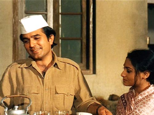 Rajesh Khanna with Jaya Bachchan in Baawarchi