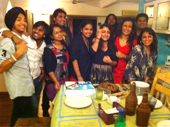 Mini Mathur with the Indian Idol 6 contestants