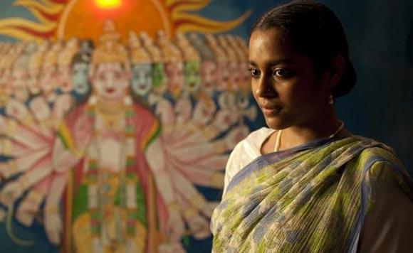 Shahana Goswami as Mumtaz/Amina