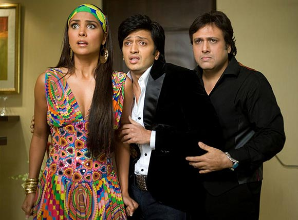 Lara Dutta, Riteish Deshmukh and Govinda in Do Knot Disturb