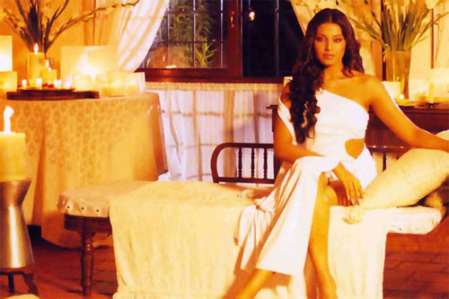 Bipasha Basu in Jism