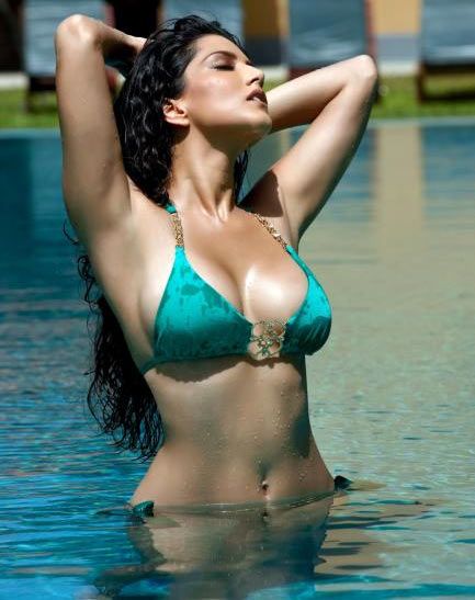 Sunny Leone in Jism 2