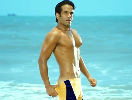Tusshar Kapoor in Kyaa Super Kool Hain Hum