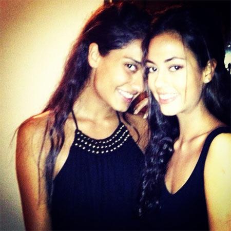Lisa Haydon with her sister Mallika Haydon
