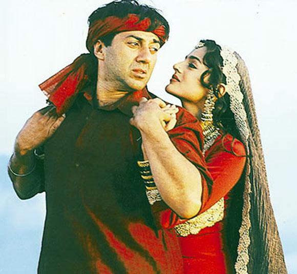 Sunny Deol and Ameesha Patel in Gadar: Ek Prem Katha