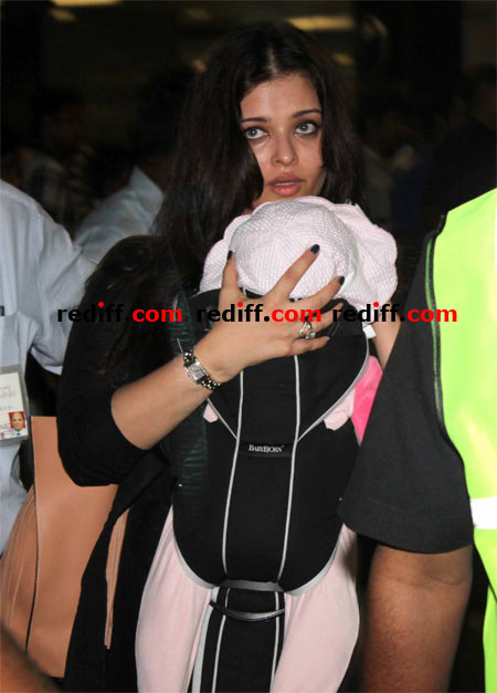 Aishwarya Rai Bachchan with Aradhya