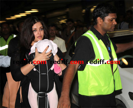 Aishwarya Rai Bachchan with daughter Aradhya